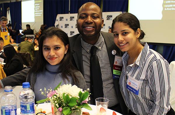 Leadership Serves Community Service Students Event