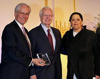 (l-r) President Jeremy Travis, Bill Moyer and  Anna Deavere Smith